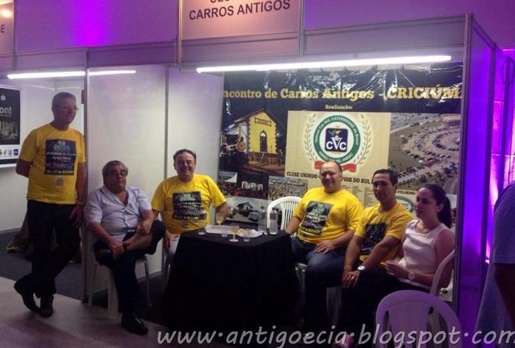 Veteran Car Sul Catarinense prestigiou o lançamento do livro ¨NOVE¨ Poesias, reflexões e crônicas em Urussanga/SC